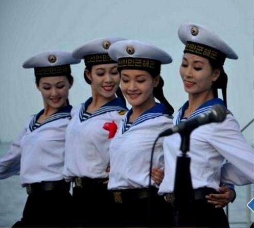 中国评论新闻:纯天然美女