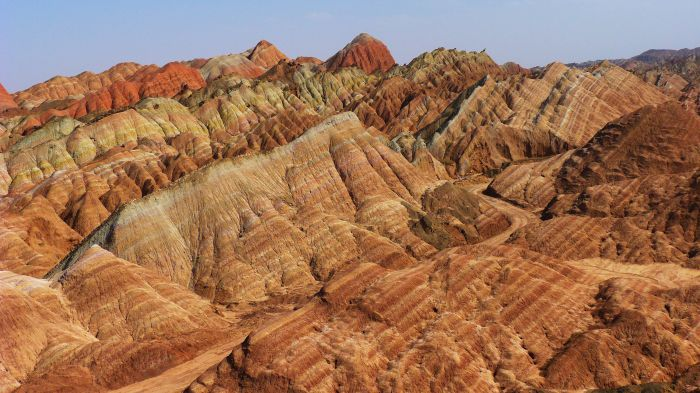102490018 - The 15 Most Amazing Landscapes and Rock Formations  - Photos Unlimited